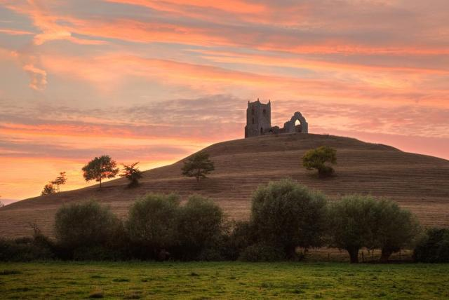 BURROW MUMP EVENING THE TOR BY GRAHAM McPHERSON USE WEBSITE.jpg
